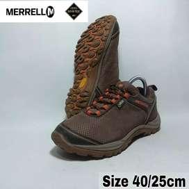 Sepatu second Merrell