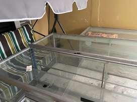 Borongan 3 etalase ukuran 2 meter semua