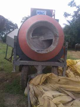 Mixture Machine, Hopper and RM Available
