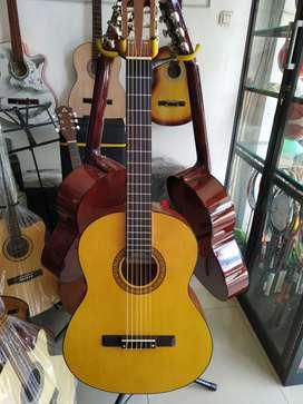 Gitar Classic untuk pemula merk Osmond doof