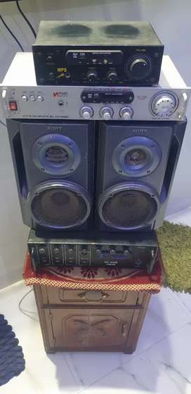 Three Amplifier's and Two Sony Speaker's