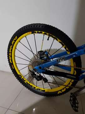 Sepeda MTB commencal fullbike