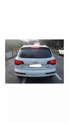 A super luxury Audi Q7 car for sell.