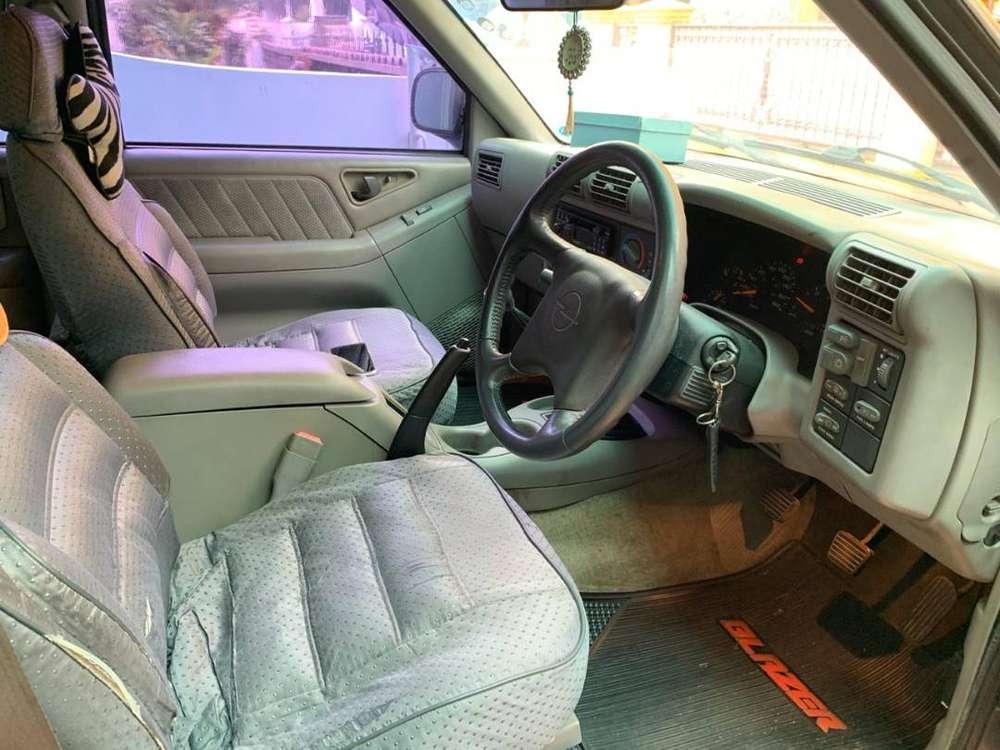 Opel Blazer DOHC 1996 Tangan Pertama Jarang Dipakai – Jakarta