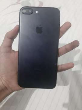 Iphone 7+ 32 gb with all accessories and box