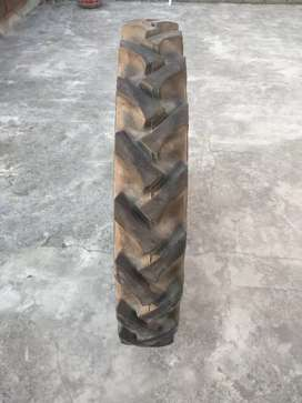 Tracter stlye Bullet tyre