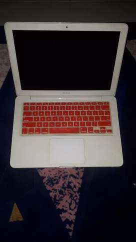 Macbook white 2009 13 inch mulussss mureeehhh