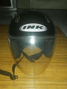 Helm ink warna hitam ukuran L
