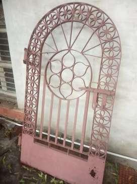 Oid Iron gate