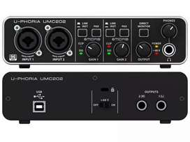 Behringer UMC202 HD Pin Pack