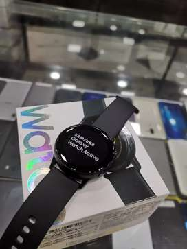 Samsung Galaxy Active 10 days old at just 14900