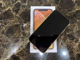 buy iPhone xr (yellow) with good condition