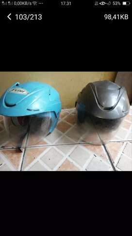 Se psg topi helm ank2 kond bgs mls di borong sj tuh murah2 deh