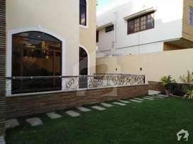 phase 6, 600 yards slightly use two unit house with basement for rent
