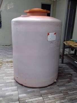 Tandon air merk grand, 1.200 L, Rp. 800.000, nego