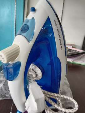 Newal Electric steam iron Nwl-728 2000 watts