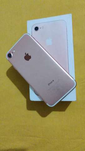 I phone 7 8 months  old 32gb in fully new condition
