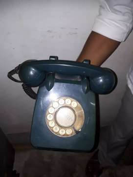 Old telephone  2pc 7000/