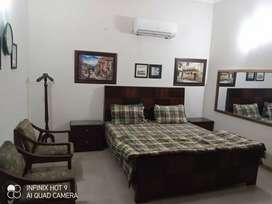 Dha z block guest house daily bases rent only families