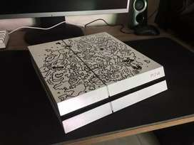 PS4 White Limited Edition