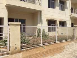 Flat available for sale.near highway nh-2 allahpur