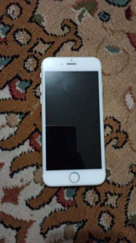 Iphone 6 gold 64 gb in good condition