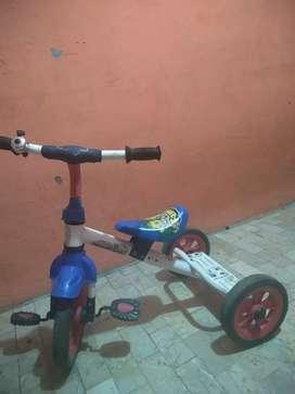 Family sepeda anak