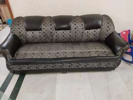 Sofa set 2+3 2 years old and central table