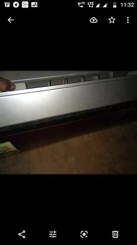 Sell my 1ton voltas ac with stabilizer