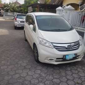 Honda freed PSD 2013 double blower km 67rb