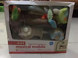 Preloved mainan Gantungan Box bayi
