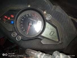 Pulsur Rs 200