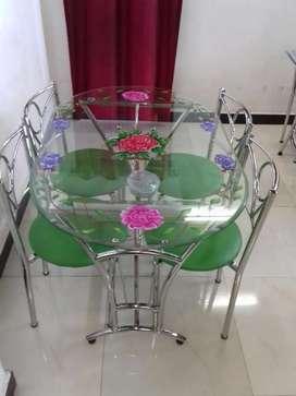 डाइनिंग टेबल इंडियन फर्नीचर