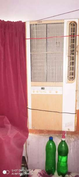 Window ac ha 110 gar ma use kr rahy hn