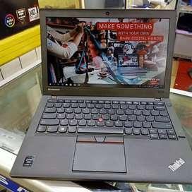 Lenovo ThinkPad X1 Yoga (Core i7-6thGen/16GB/256GB): ₹39000.00