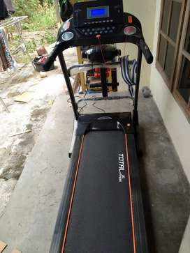Treadmill elektrik total fitness 680