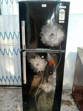 Best offer hurry up. 2 vidiocon running fridges