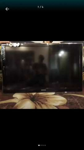 Samsung Tv 45 inche in band new condition