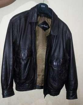 Jaket kulit merk han yang