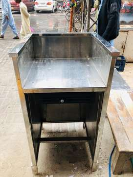 Stainless Steel counter for sell in good condition
