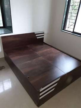 Branded storage bed in pune size 6*5 at very cheap price