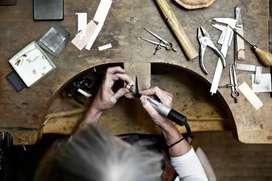 Need a boy for jewellery showroom/ Jewellery Maker