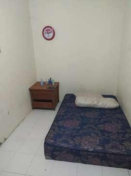 Kamar kost dekat kampus ISI dan STIkes Akbidyo