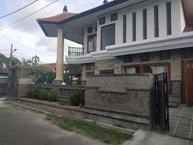 Rumah lantai 2 di kawasan elit Renon,jl badak agung,drupadi