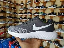 Sepatu Sneakers Nike AirMax - Gray