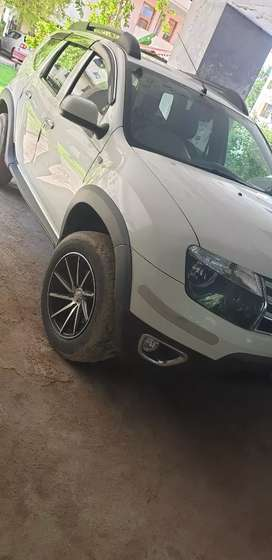 Duster 110 PS 4x4, in mint condition.  VIP number and alloy wheels