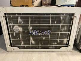 Voltas 1.5 ton 4 star ac 2 years old but no paper