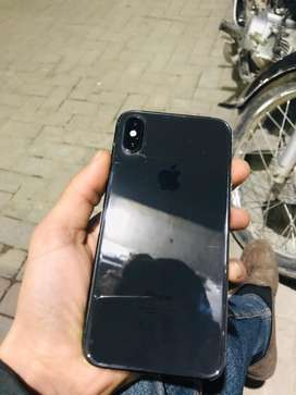 Iphone X 64 gb byepass in 10/10 condition