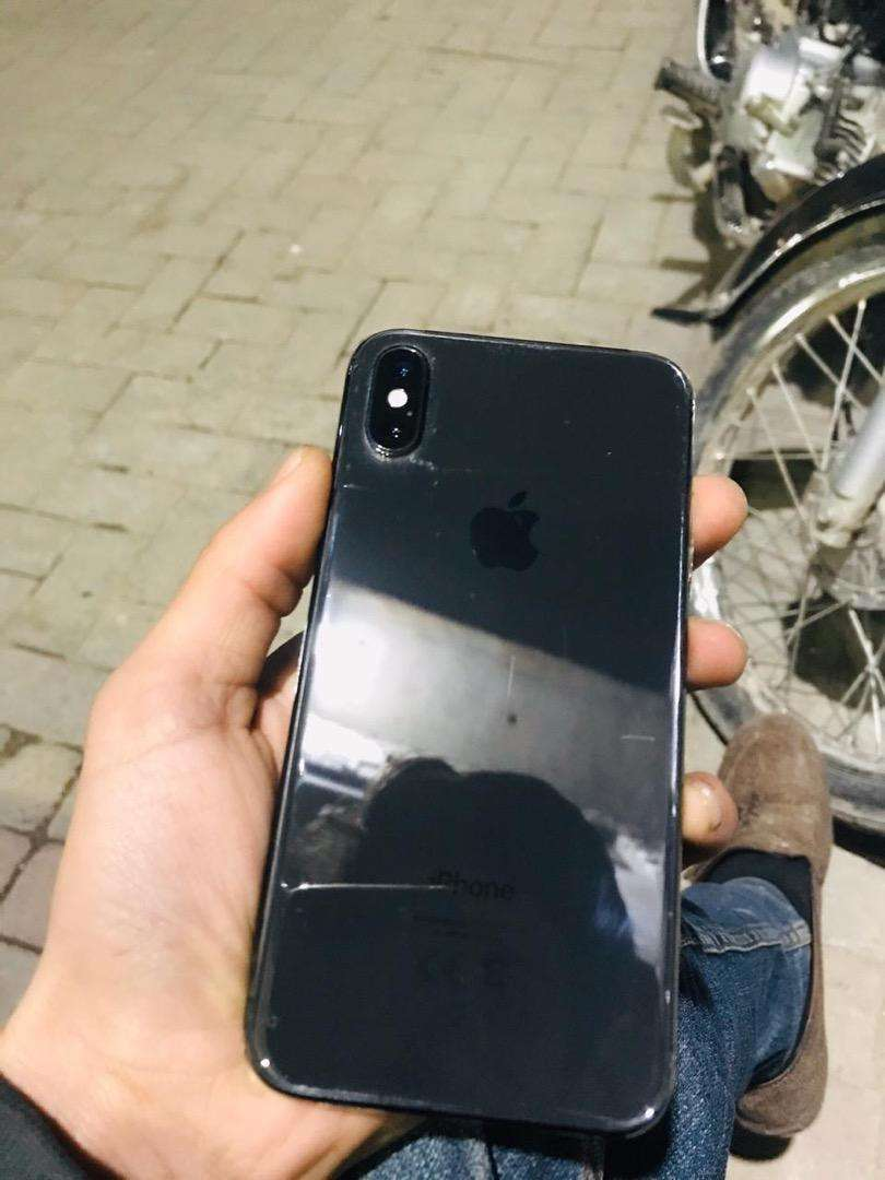 Iphone X 64 gb byepass in 10/10 condition 0