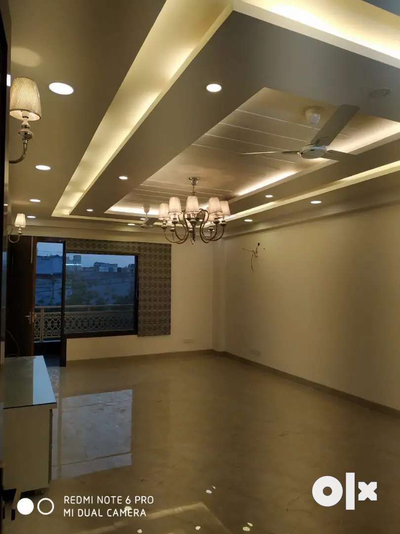 3bhk a very beautiful flat available for rent near saket metro station